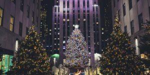 Ziemassvētku eglīte pie Rokfellera centra Ņujorkā ASV