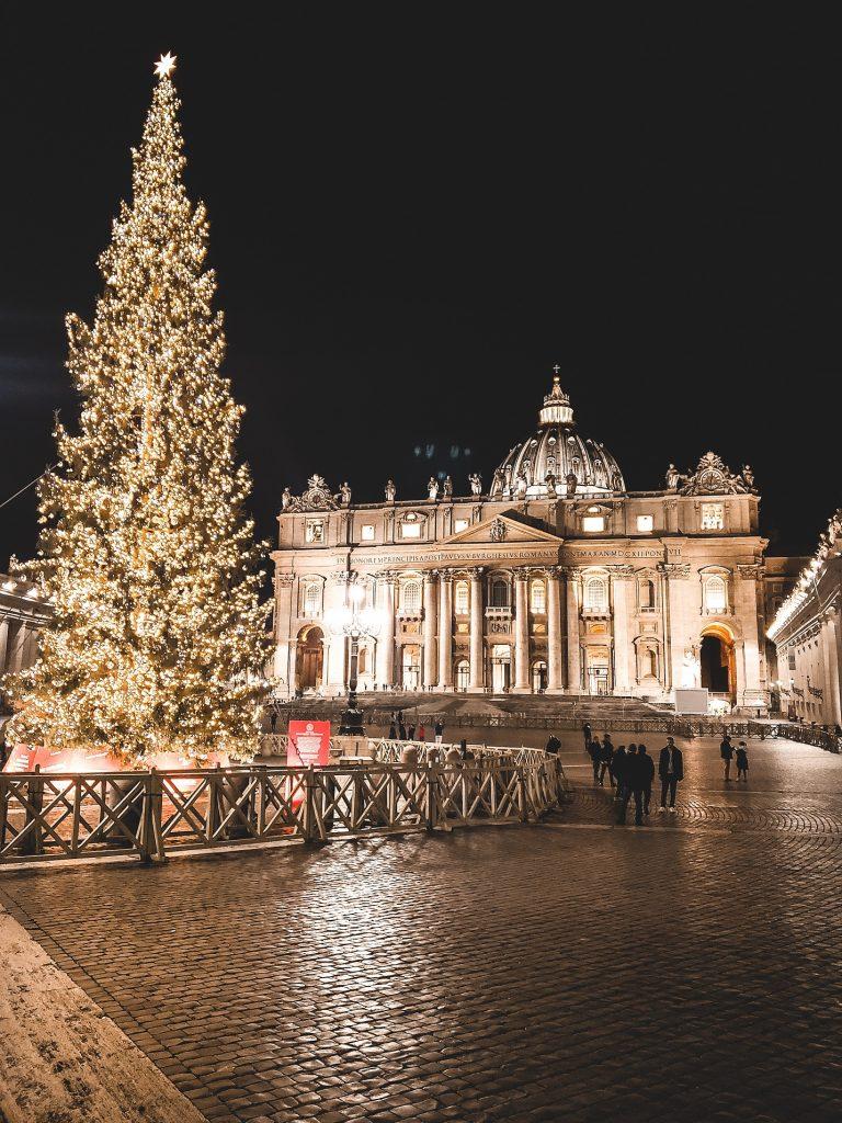 Ziemassvētku egle Vatikānā