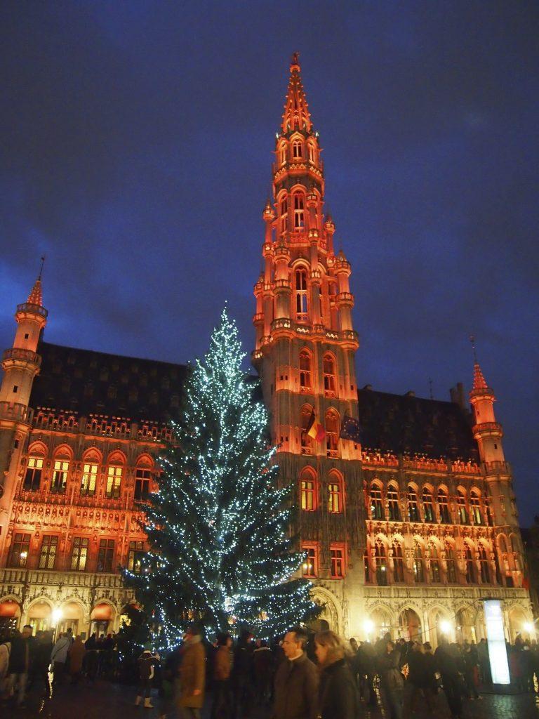 Ziemassvētku egle Briselē